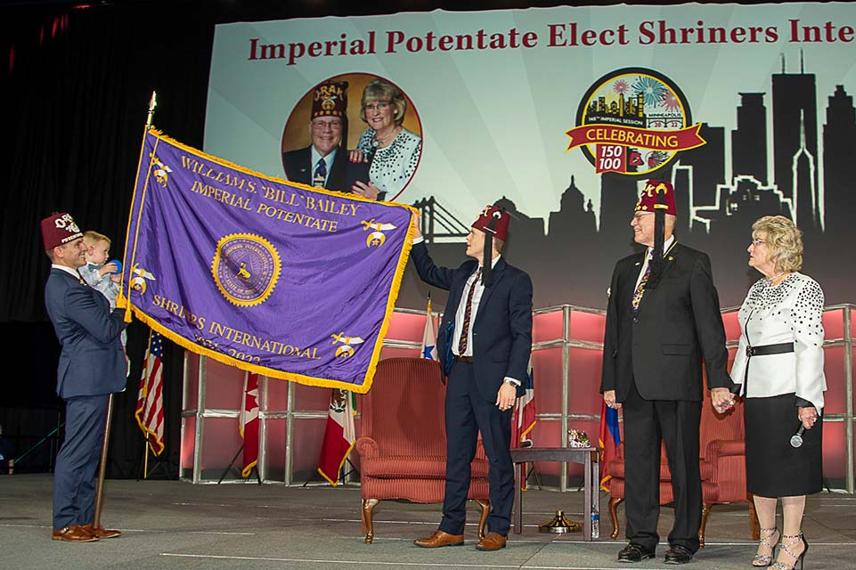 Flag display on stage at Imperial Session